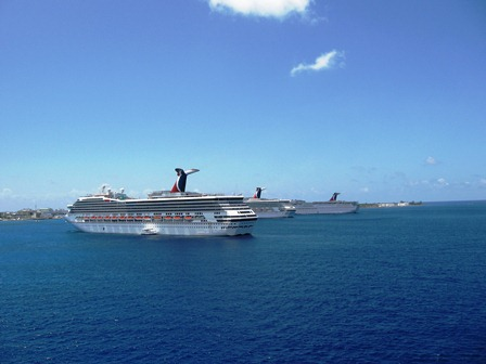 Carnival ships grand cayman1 (2)